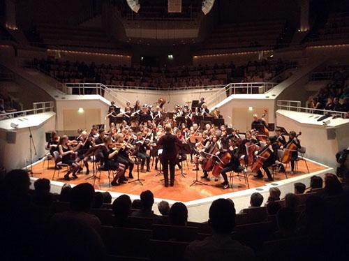 Das Jugendorchester in der Berliner Philharmonie